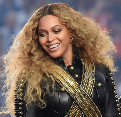 beyonce-performs-at-the-superbowl-50 half-time-show