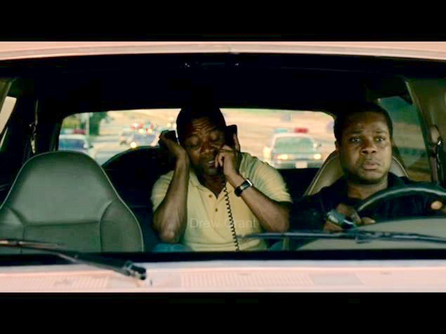 """Cuba Gooding Jr. and Malcolm Jamal Warner in a scene from """"American Crime Story: The People v. O.J. Simpson"""" (FX)"""