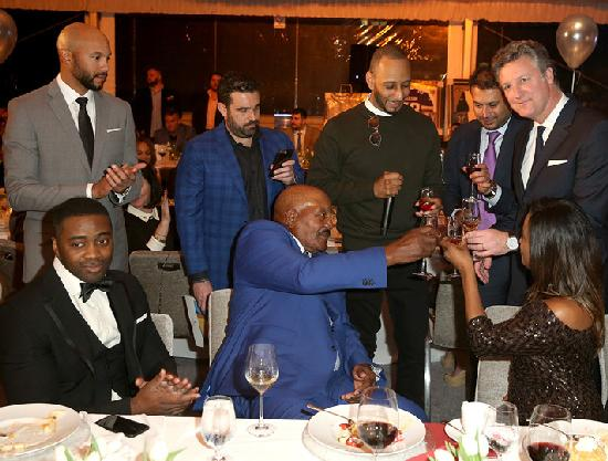 Jim Brown Family >> Nfl Great Jim Brown Celebrates 80th Birthday With Celebs And
