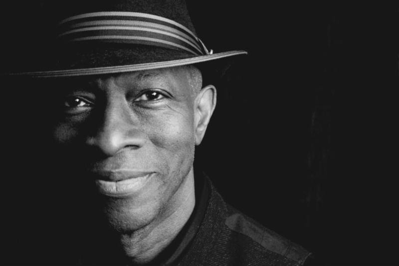 Keb' Mo', keb' mo' live - that hot pink blues album