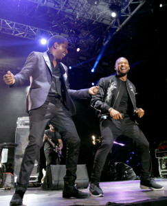 """Kenny """"Babyface"""" Edmonds (L) and Usher perform onstage at 11th Annual Jazz In The Gardens Music Festival - Day 2 at Sunlife Stadium on March 20, 2016 in Miami, Florida. (Photo by Mychal Watts/Getty Images for Jazz in the Gardens)"""