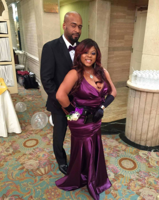 countess vaughn engagement photo 2