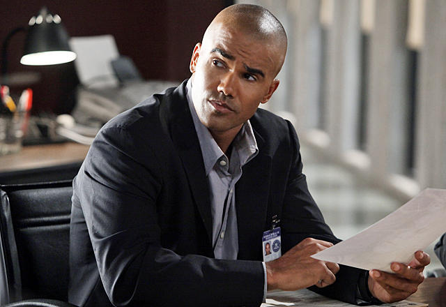 """The Performer"" -- Morgan (Shemar Moore) reviews the details in the case of a Goth performer who has become lost in the frightening alter-ego he portrays on stage ? an alter-ego whom the BAU team suspects may be a brutal serial killer, on CRIMINAL MINDS, Wednesday, Nov. 11 (9:00-10:00 PM, ET/PT) on the CBS Television Network. Photo: Danny Feld/ABC Studios ©2009 ABC STUDIOS. TELEVISION. ALL RIGHTS RESERVED"