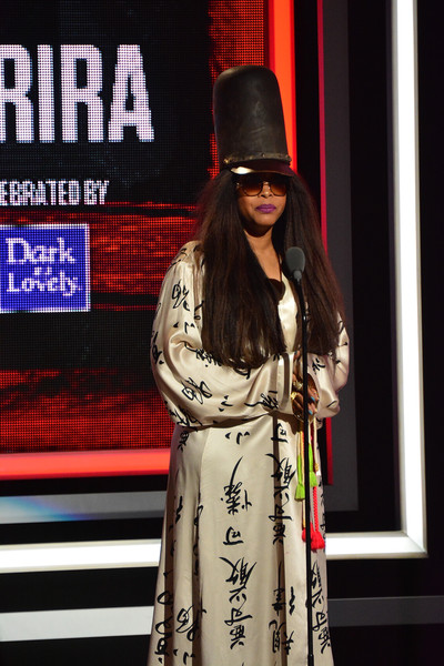 Singer Erykah Badu presents an award during the Black Girls Rock! 2016 show at New Jersey Performing Arts Center on April 1, 2016 in Newark, New Jersey.