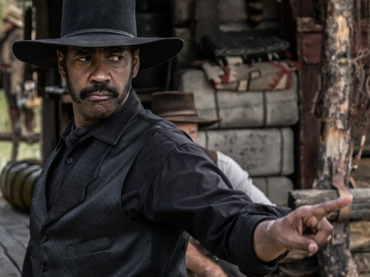 Denzel Washington as bounty hunter Sam Chisolm in Magnificent Seven
