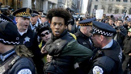 lamon reccord being arrested by chicago police