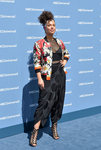 Singer/songwriter Alicia Keys attends the NBCUniversal 2016 Upfront Presentation on May 16, 2016 in New York, New York.