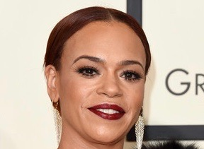 Faith+Evans+58th+GRAMMY+Awards+Arrivals+a_C_WSh-MdSl