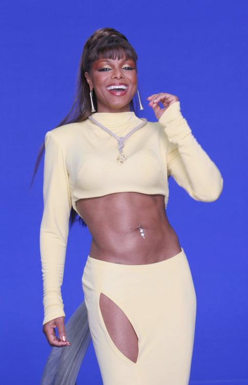 Janet Jackson's Trainer Reveals How to Get Her Famous Abs