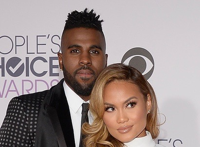 LOS ANGELES, CA - JANUARY 06:  Singer Jason Derulo (L) and actress Daphne Joy attend the People's Choice Awards 2016 at Microsoft Theater on January 6, 2016 in Los Angeles, California.  (Photo by Kevork Djansezian/Getty Images)