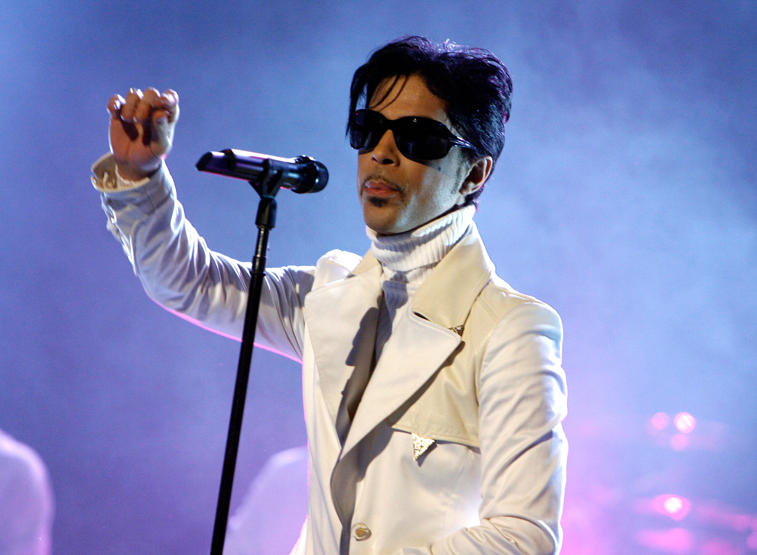 Prince performs during the 2007 NCLR ALMA Awards held at the Pasadena Civic Auditorium on June 1, 2007. (Credit: Getty Images)