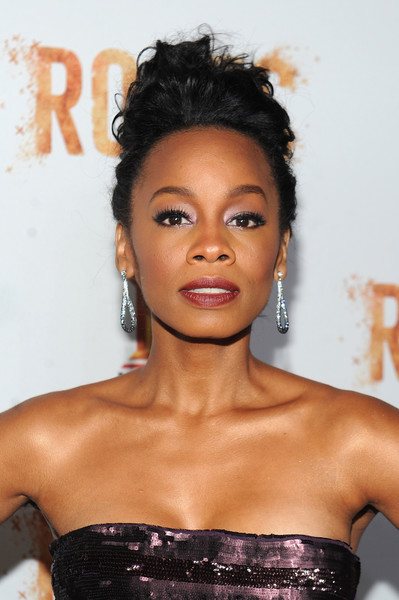 """Actress Anika Noni Rose attends the premiere screening of """"Night One"""" of the four night epic event series, """"Roots,"""" hosted by HISTORY at Alice Tully Hall on May 23, 2016 in New York City."""