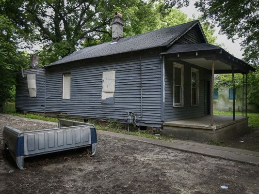 The boarded-up house at 406 Lucy Avenue, birth home of soul singer Aretha Franklin, could be demolished under a Shelby County Environmental Court order. (Photo: Mark Weber/The Commercial Appeal)