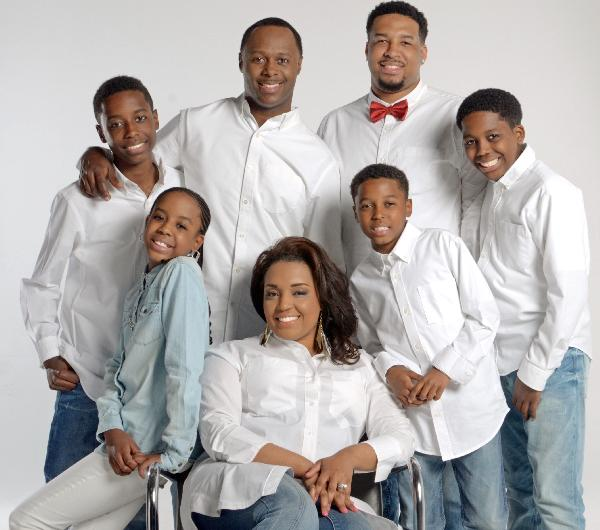 Micah Stampley Familyphoto2015