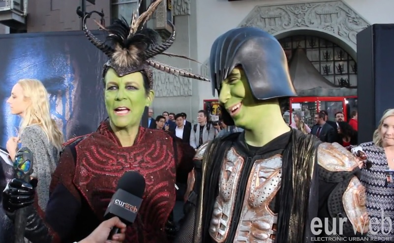 Jamie Lee Curtis & her son, Thomas Guest at 'Warcraft' premiere