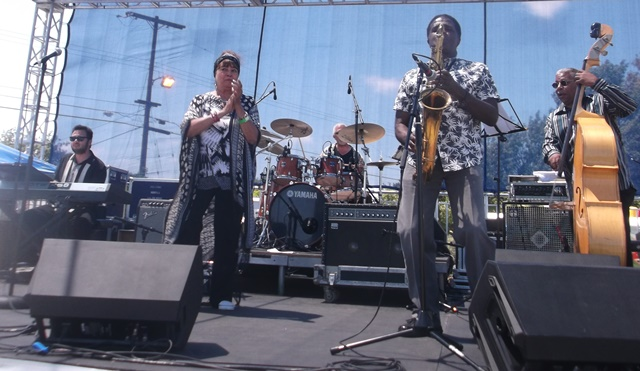 Dee Dee McNeil and Band: Photo Credit, Ricky Richardson