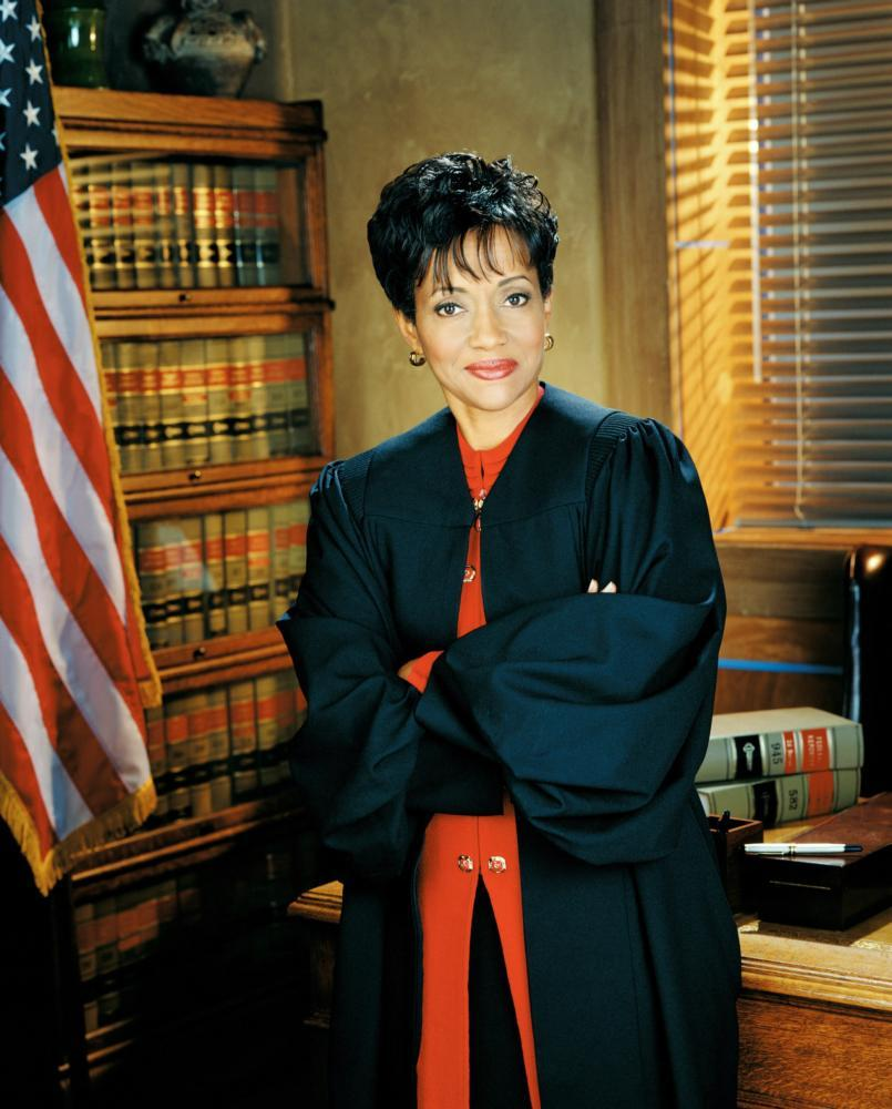 TV's 'Judge Hatchett' Says She's Representing Philando Castile's Family