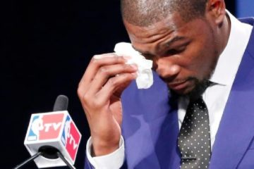kevin durant - wiping tears