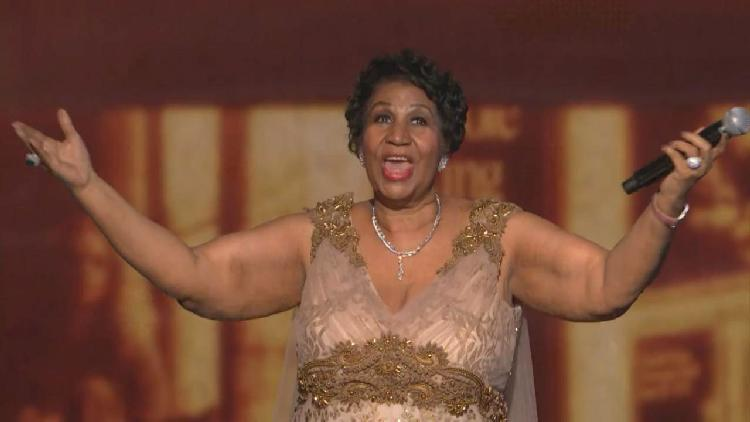 aretha franklin with mic