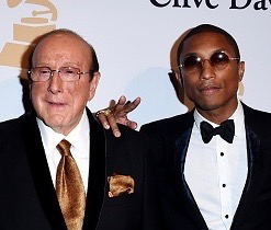 clive_davis_pharrell_williams_462952374