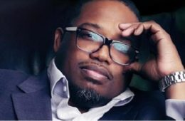 dave hollister - glasses