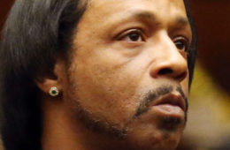 LOS ANGELES, CA - OCTOBER 27: Katt Williams in Los Angeles Superior Court for his arraignment on October 27, 2015 in Los Angeles, California. Williams and Marion 'Suge' Knight are charged with robbery and criminal threats after allegedly stealing a photographer's camera during an incident September 5, 2014 in Beverly Hills. (Photo by Frederick M. Brown/Getty Images)