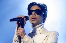 PASADENA, CA - JUNE 01: Singer Prince performs onstage during the 2007 NCLR ALMA Awards held at the Pasadena Civic Auditorium on June 1, 2007 in Pasadena, California. (Photo by Kevin Winter/Getty Images for NCLR) *** Local Caption *** Prince