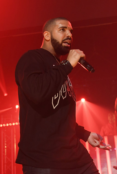 Drake performs on stage at Gucci and Friends Homecoming Concert at Fox Theatre on July 22, 2016 in Atlanta, Georgia.