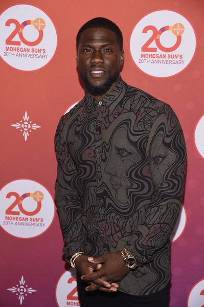 Comedian Kevin Hart walks the red carpet before the Kevin Hart Official After Party with DJ Ruckus for Mohegan Sun's 20th Anniversary on October 14, 2016 in Uncasville, Connecticut.