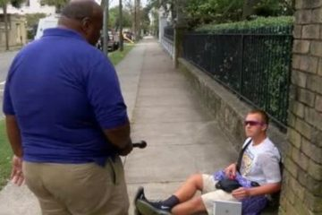 Reporter Steve Crump confronts Bryan Eybers in Charleston, S.C.