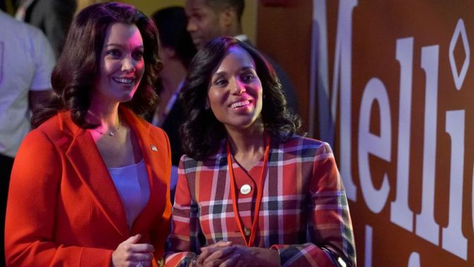 """Bellamy Young (L) and Kerry Washington in a scene from """"Scandal"""" Season 6"""