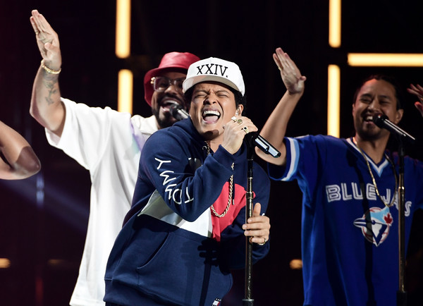 Bruno Mars performs on stage at the MTV Europe Music Awards 2016 on November 6, 2016 in Rotterdam, Netherlands.