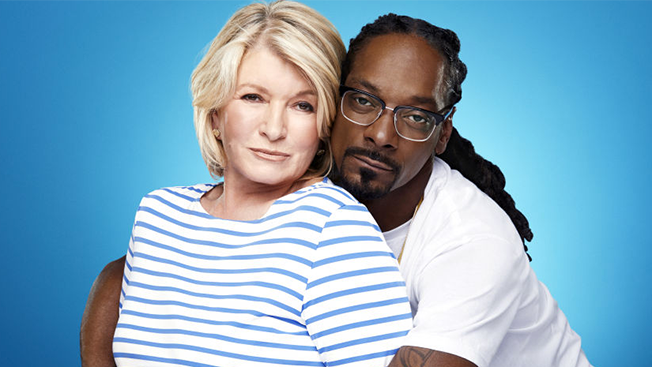 "Martha Stewart and Snoop Dogg for VH1's ""Martha & Snoop's Potluck Dinner Party"