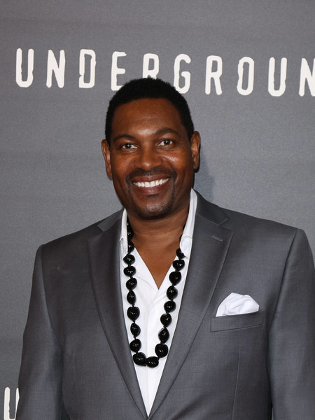 mykelti williamson net worth