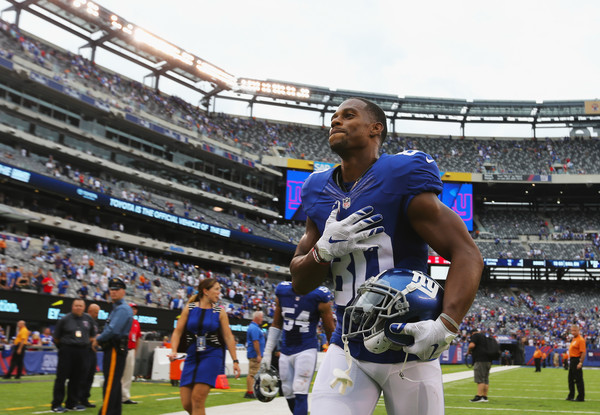 Victor Cruz #80 of the New York Giants leaves the field after their 16-13 win over the New Orleans Saints during the second half at MetLife Stadium on September 18, 2016 in East Rutherford, New Jersey.