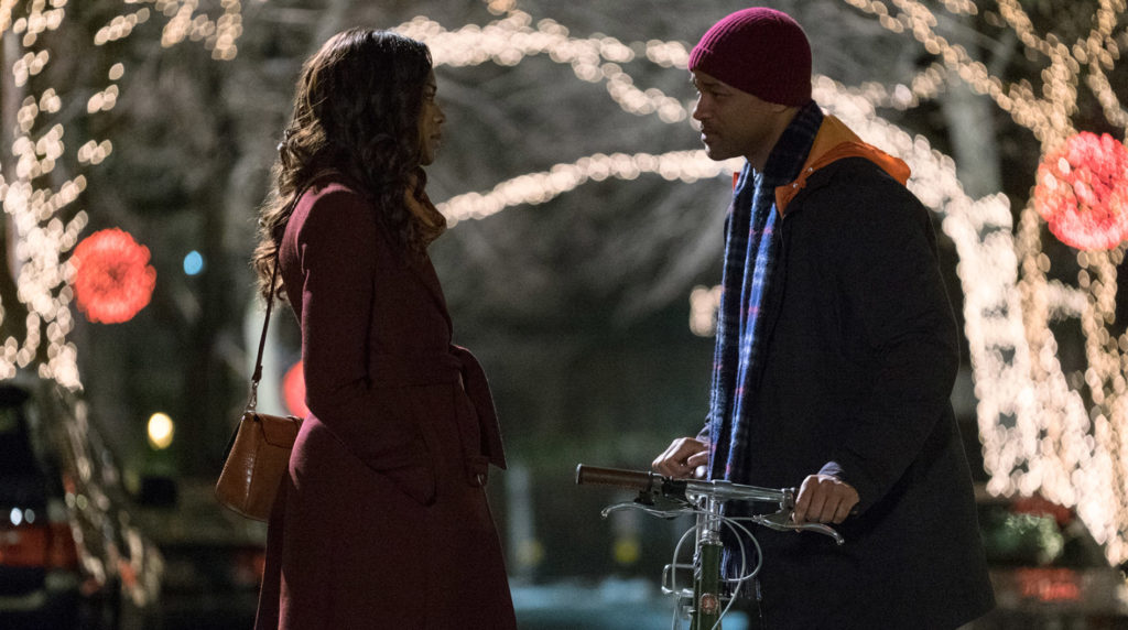 """(L-R) Naomie Harris as Madeline and Will Smith as Howard in ma """"COLLATERAL BEAUTY,"""" ."""