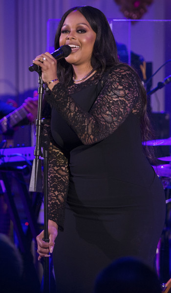 Chrisette Michele performs a song for President Obama, first lady Michelle Obama, Prime Minister Lee Hsien Loong, Madam Ho Ching at the White House on August 2, 2016 in Washington, DC.