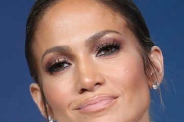 Jennifer+Lopez+2017+Winter+TCA+Tour+Day+14+VH-ZR6NEXaLl