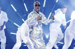 "Don Cheadle performs on Spike's ""Lip Sync Battle"" (Trae Patton/Spike TV)"