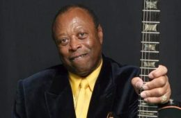 Charles-Wright-with-guitar