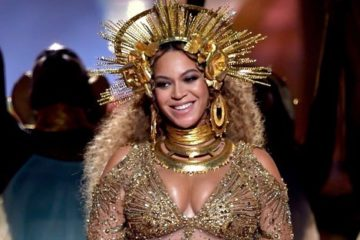Beyonce+Knowles+59th+GRAMMY+Awards+Show+462-pA3dTj7l