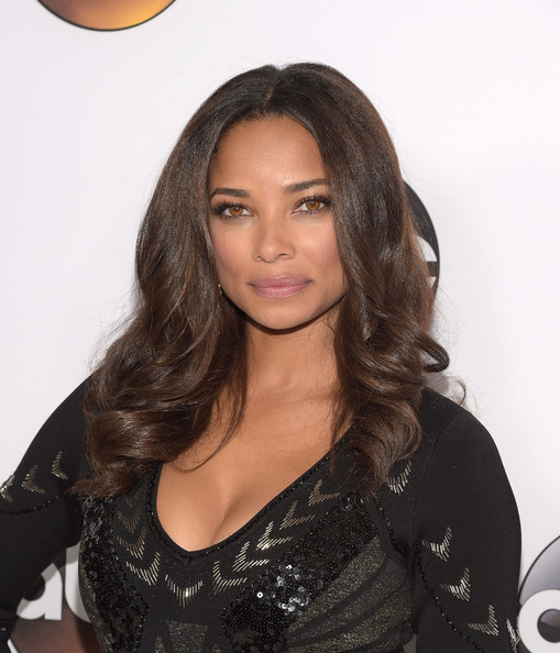 Actress Rochelle Aytes attends the Disney & ABC Television Group's TCA Winter Press Tour on January 14, 2015 in Pasadena, California.