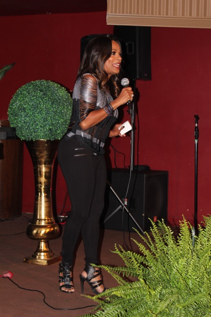 vanessa bell calloway - with mic