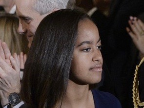 Malia+Obama+President+Obama+Gives+Tribute+WdFtzLEc_8Tl