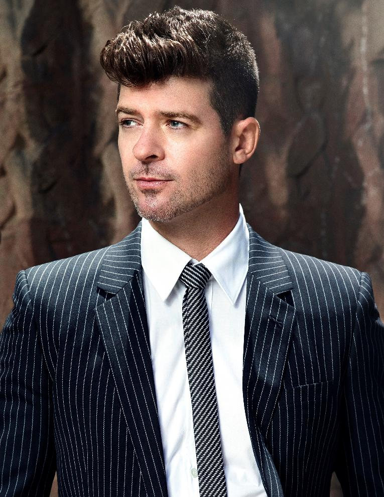 Robin Thicke - Approved Press Photo 2 - (credit Eric Michael Roy)