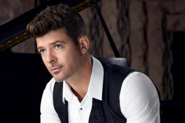 Robin Thicke1 - Approved Press Photo (Credit - Eric Michael Roy)