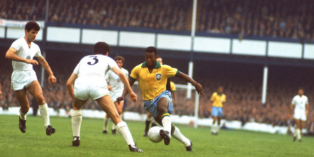 the amazing soccer player pele King pelé is one of the greatest soccer players ever and has already been married two times before the 73 year-old soccer star was born edson arantes do nasciimiento in tes coraces, brazil on october 21, 1940.