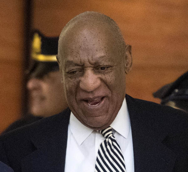Bill Cosby arrives at Montgomery County Courtroom A for a pretrial hearing in his sexual assault trial April 3, 2017 in Norristown, Pennsylvania. / AFP PHOTO / POOL / Clem Murray