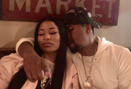 Nicki Minaj Looks Awfully Cozy With Nas In This Casual Pic