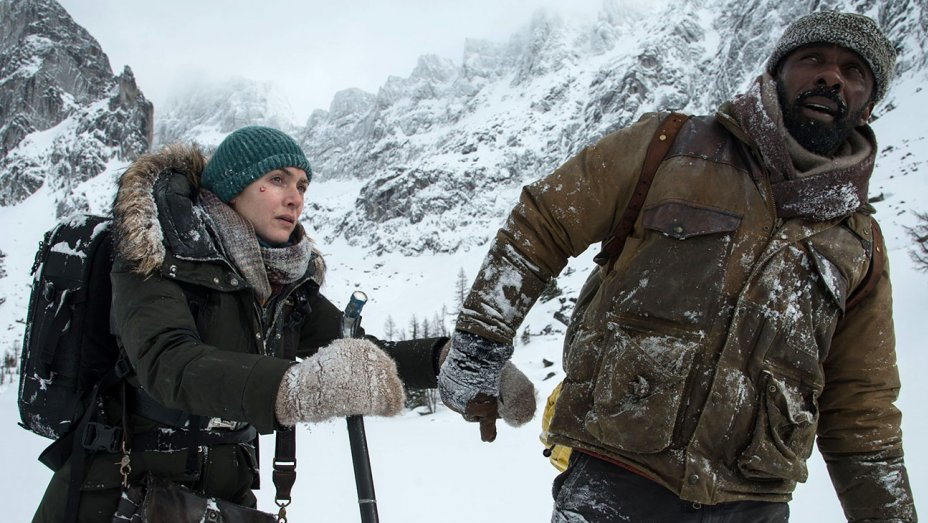 """Kate Winslet and Idris Elba in """"The Mountain Between Us"""""""